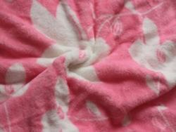 粉色珊瑚绒